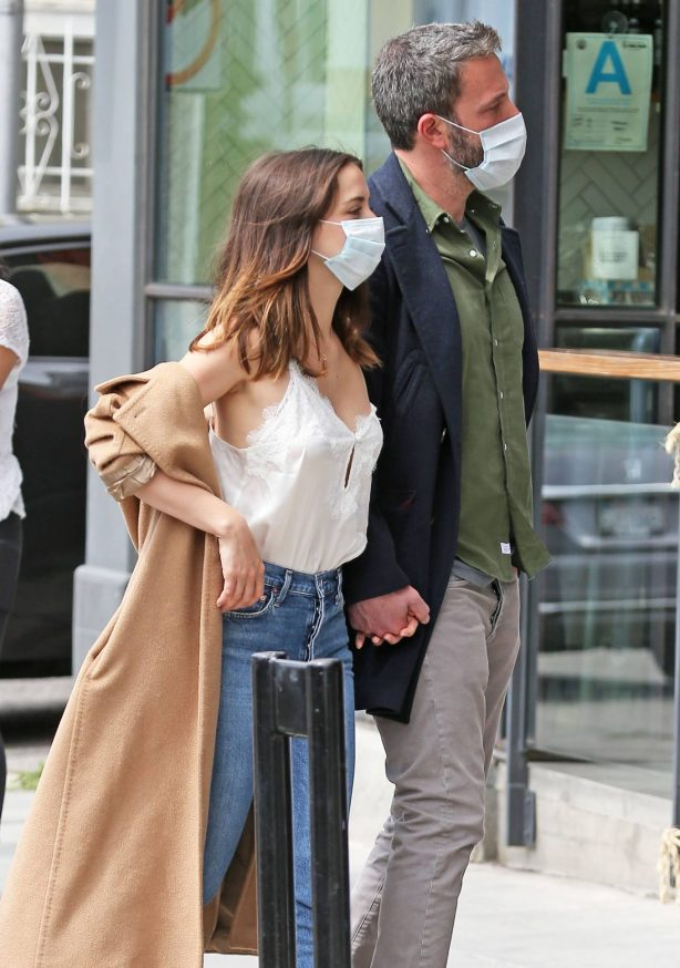 Ben Affleck and Ana de Armas - Shopping candids in Los Angeles