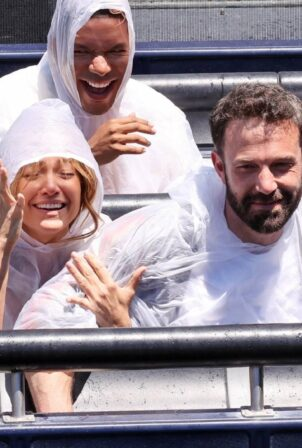 Ben Affleck and Jennifer Lopez - seen at Universal Studios in Los Angeles