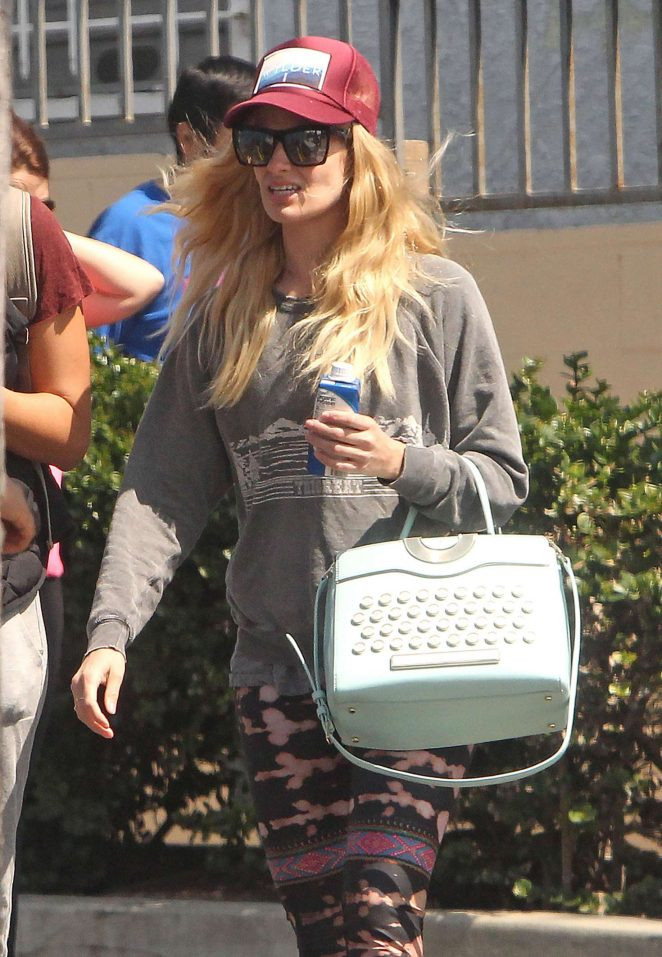 Beth Behrs Out Shopping in Los Feliz