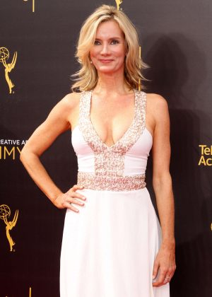 Beth Littleford - Creative Arts Emmy Awards 2016 in Los Angeles
