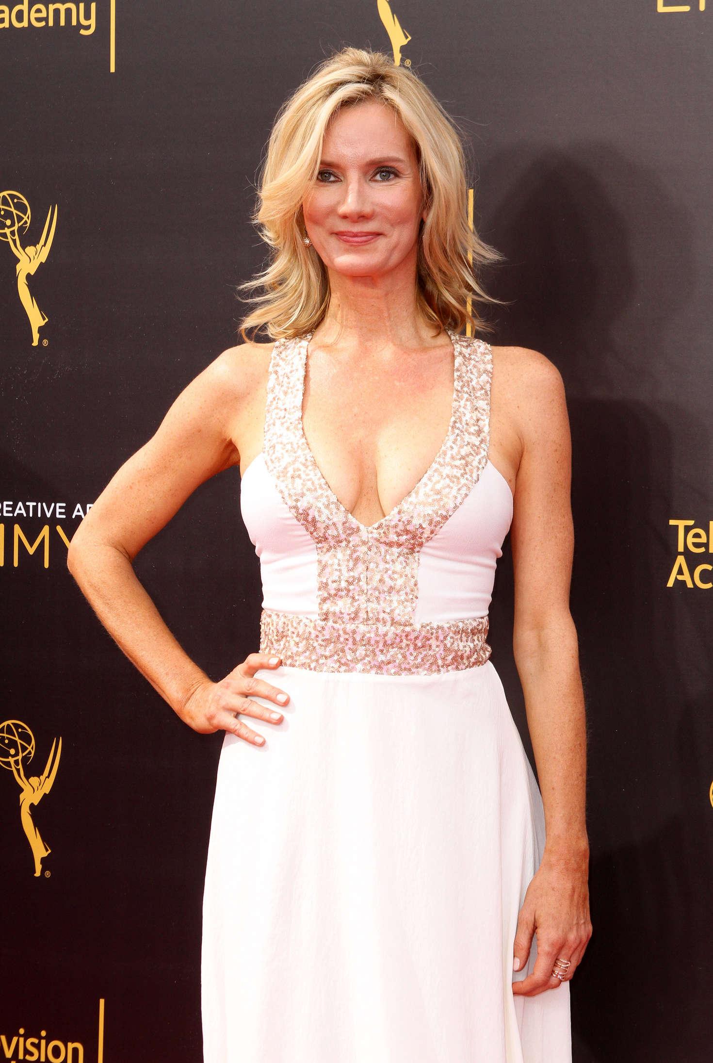 Beth Littleford - Creative Arts Emmy Awards 2016 in Los Angeles