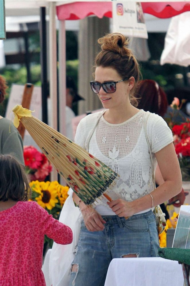 Bethany Joy Lenz - Shopping at Farmer's Market in Studio City
