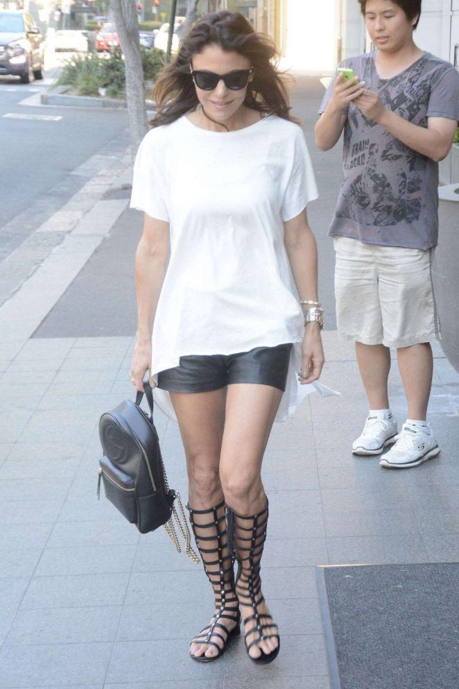 Bethenny Frankel - Arrives at Hotel in Sydney