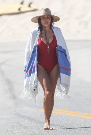 Bethenny Frankel - Bikini candids in The Hamptons