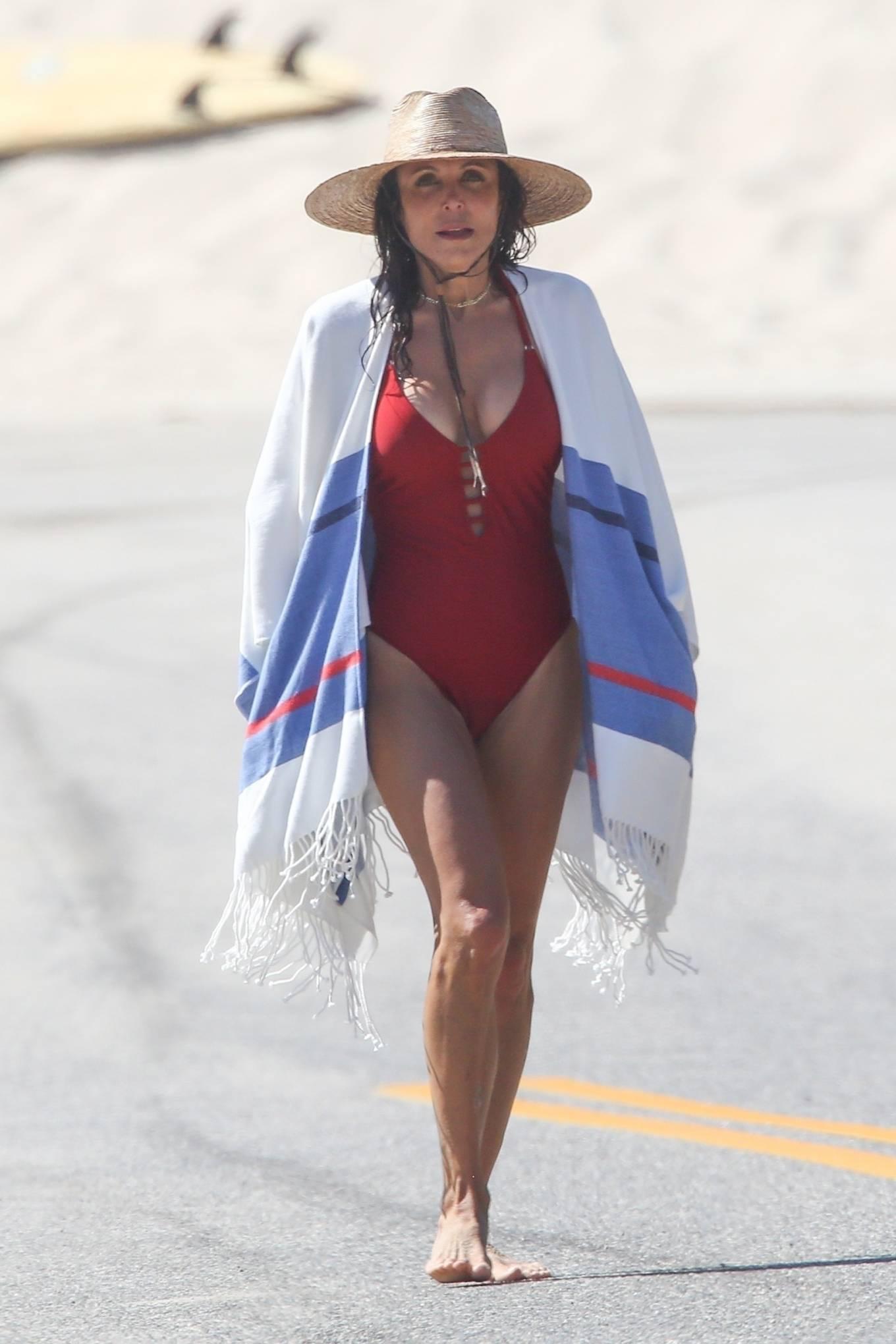 Bethenny Frankel - Bikini candids in The Hamptons