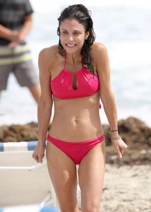Bethenny Frankel - Bikini Candids on Vacation