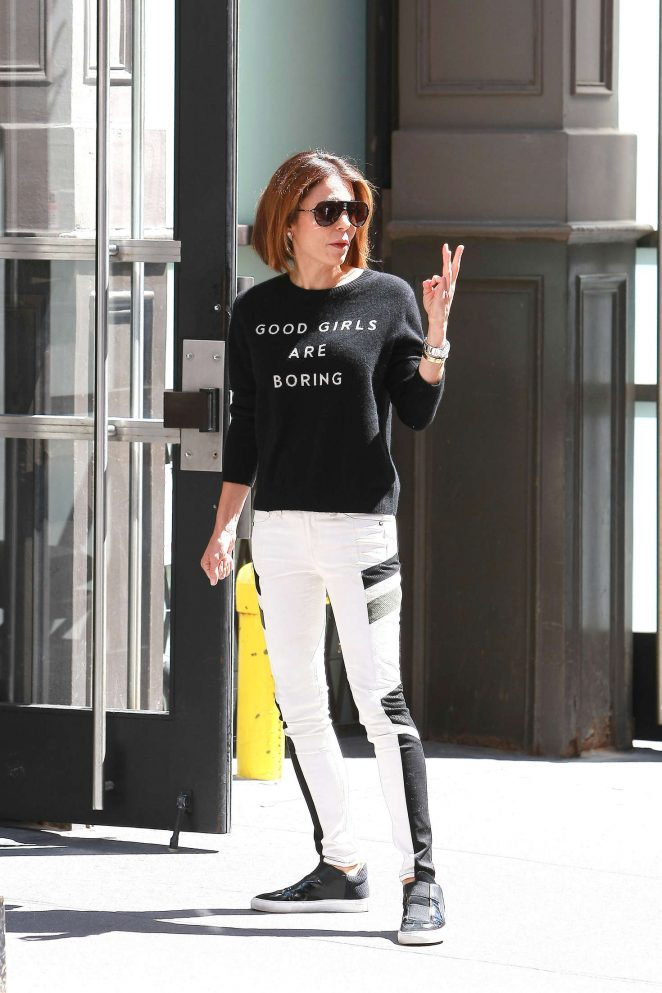 Bethenny Frankel in Tight Jeans out in Soho