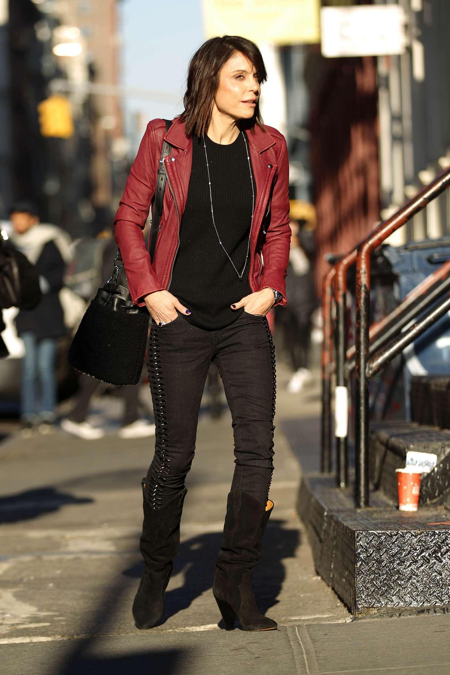 Bethenny Frankel – Leaving her Soho Apartment in New York   Bethenny-Frankel:-Leaving-her-Soho-Apartment--02