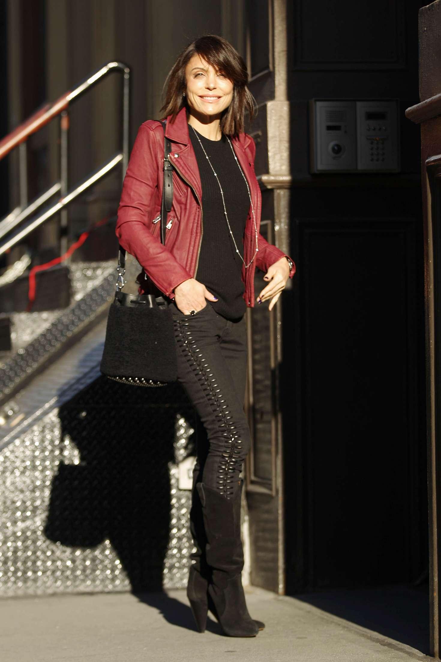 Bethenny Frankel – Leaving her Soho Apartment in New York   Bethenny-Frankel:-Leaving-her-Soho-Apartment--03