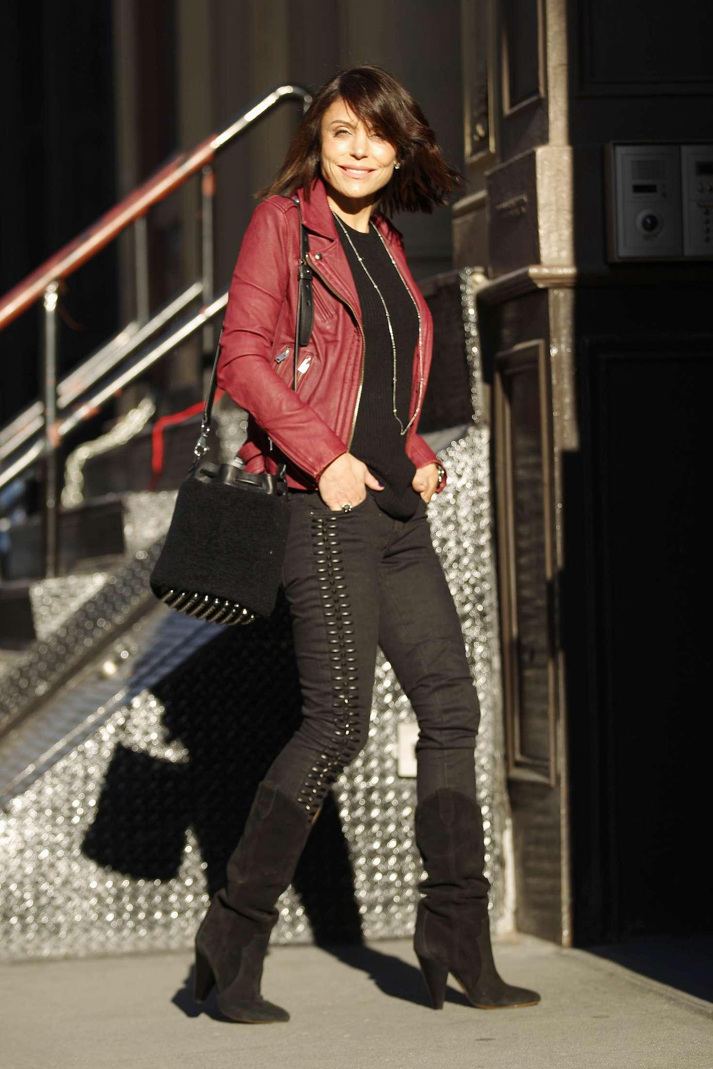 Bethenny Frankel – Leaving her Soho Apartment in New York   Bethenny-Frankel:-Leaving-her-Soho-Apartment--07