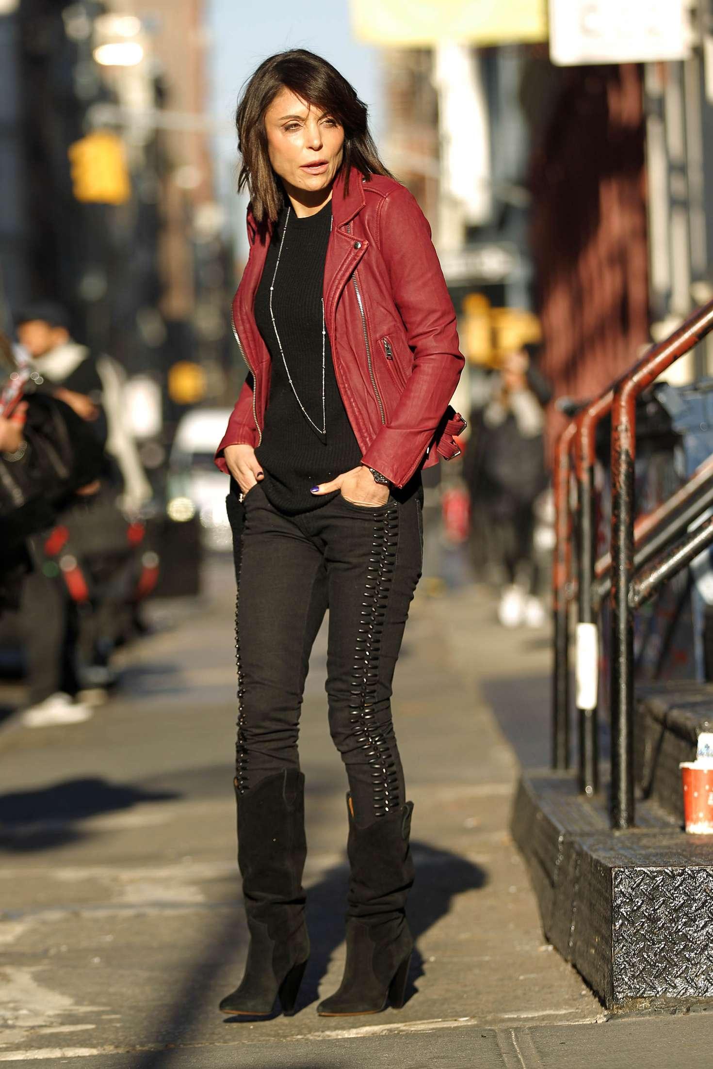 Bethenny Frankel – Leaving her Soho Apartment in New York   Bethenny-Frankel:-Leaving-her-Soho-Apartment--09