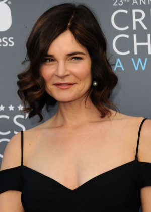 Betsy Brandt - Critics' Choice Awards 2018 in Santa Monica