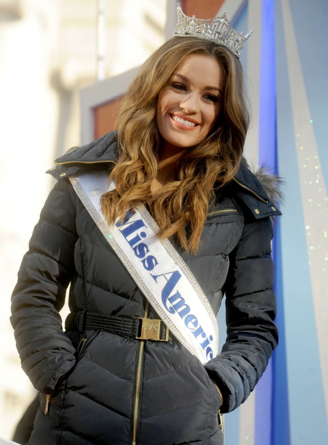 Betty Cantrell - 2015 Macy's Thanksgiving Day Parade in NYC
