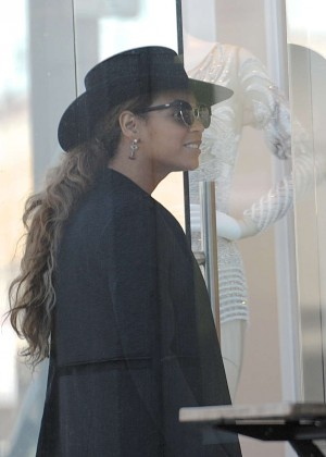 Beyoncé - Out and about in LA