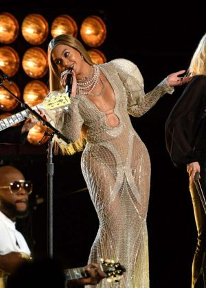 Beyonce - 50th Annual CMA Awards in Nashville