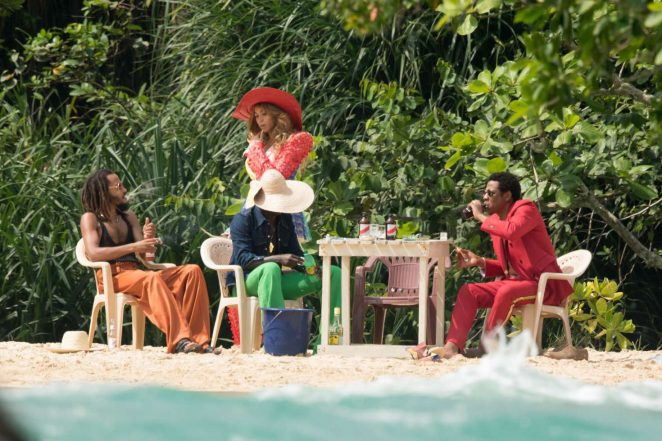 9c5d3d896c3 Beyonce and Jay-Z look  Filming Crazy in love -06 – GotCeleb