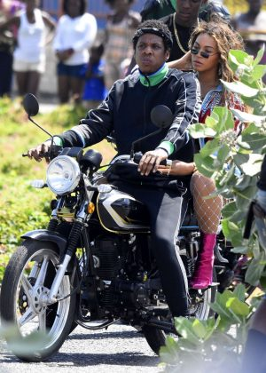 Beyonce and Jay-Z - Shooting a video for a collaboration in Trenchtown