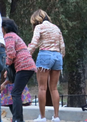 Beyonce in Jeans Shorts at Griffith Park in Los Angeles