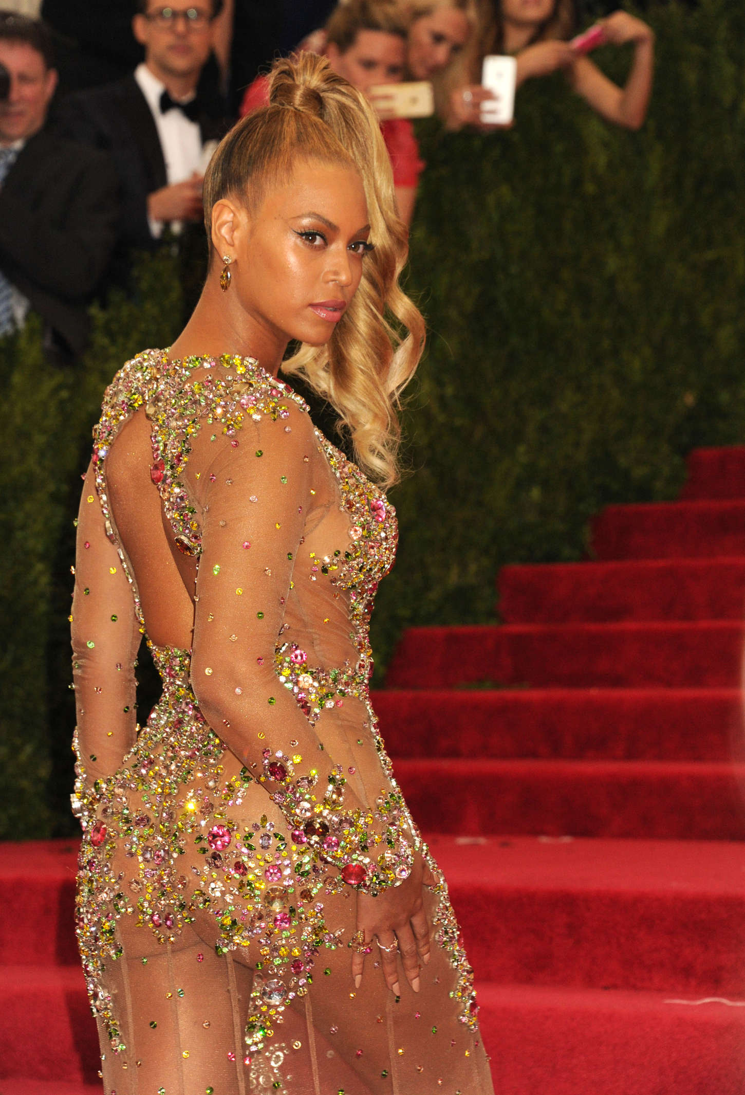 Beyonce: MET Gala 2015... Jessica Chastain