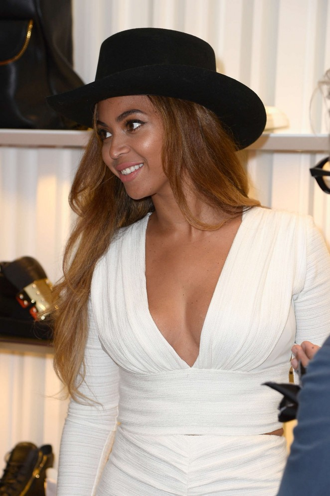 Beyonce - Giuseppe Zanotti Store Opening in Beverly Hills