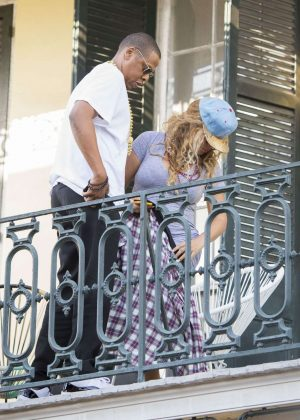 beyonce in gray dress on a balcony in new orleans. Black Bedroom Furniture Sets. Home Design Ideas