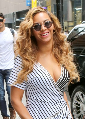 Beyonce in Mini Dress Out in NYC