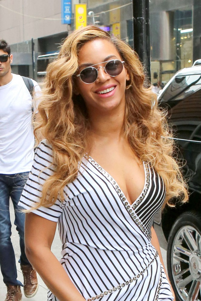 Beyonce in Mini Dress Out and about in NYC