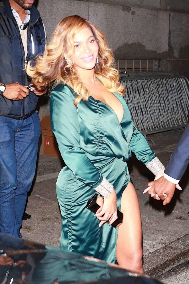 Beyonce Knowles - Leaves Rhianna's Diamond Ball in New York