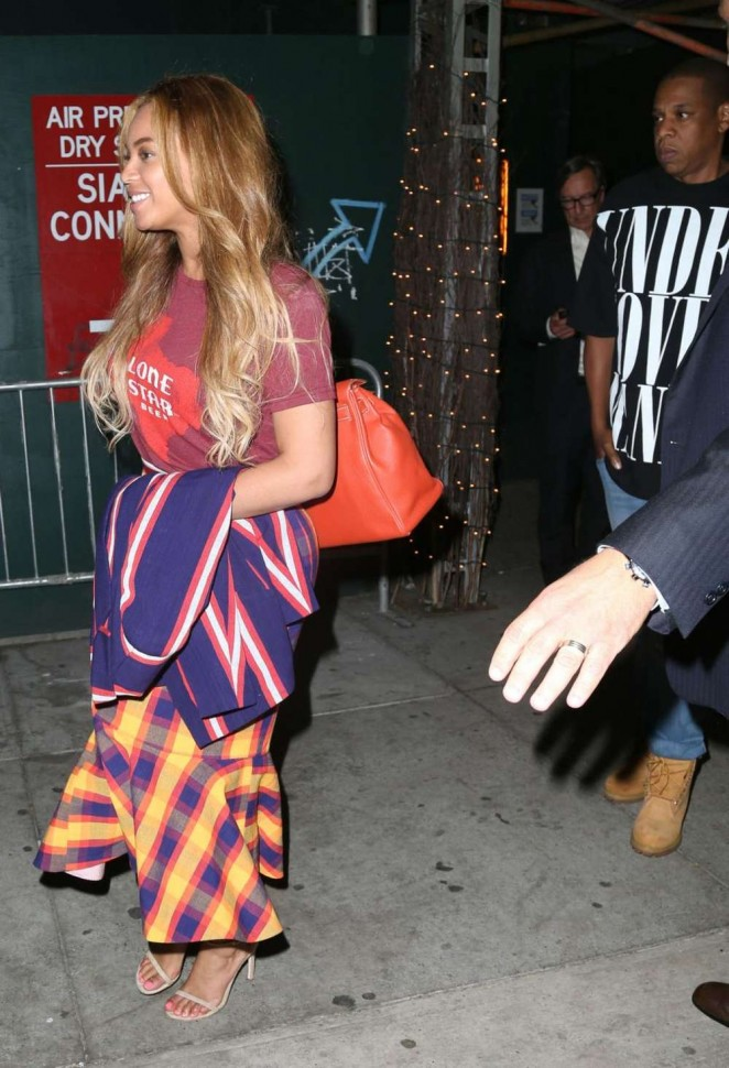 Beyonce Knowles 2015 : Beyonce Knowles out in NYC -04