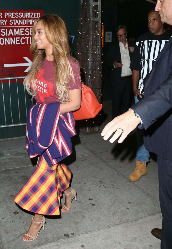 Beyonce Knowles 2015 : Beyonce Knowles out in NYC -10