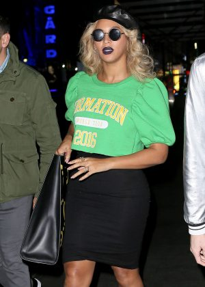 Beyonce Leaves her Midtown office in New York