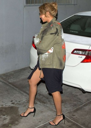 Beyonce - Leaves 'Son-of-a-Gun' Restaurant in Los Angeles