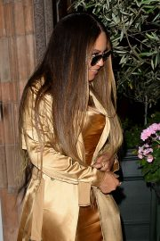 Beyonce - Leaving a Private Party at Harry's Bar in London