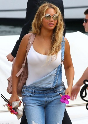 Beyonce in Jeans Leaving a yacht in Beaulieu-sur-Mer