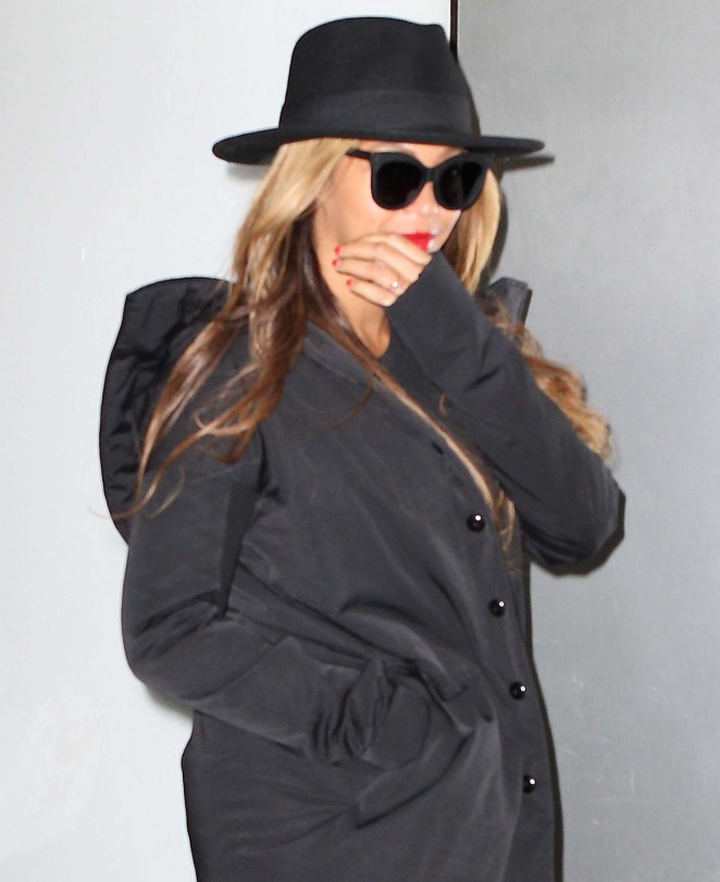 Beyonce – Leaving an office building in New York City