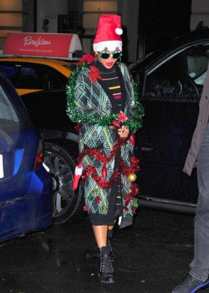 Beyonce - Leaving her Ultimate Office Christmas Party in New York
