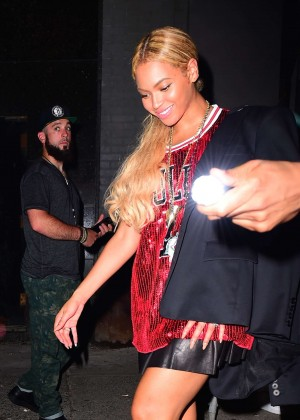 Beyonce - Leaving Terminal 5 in NYC