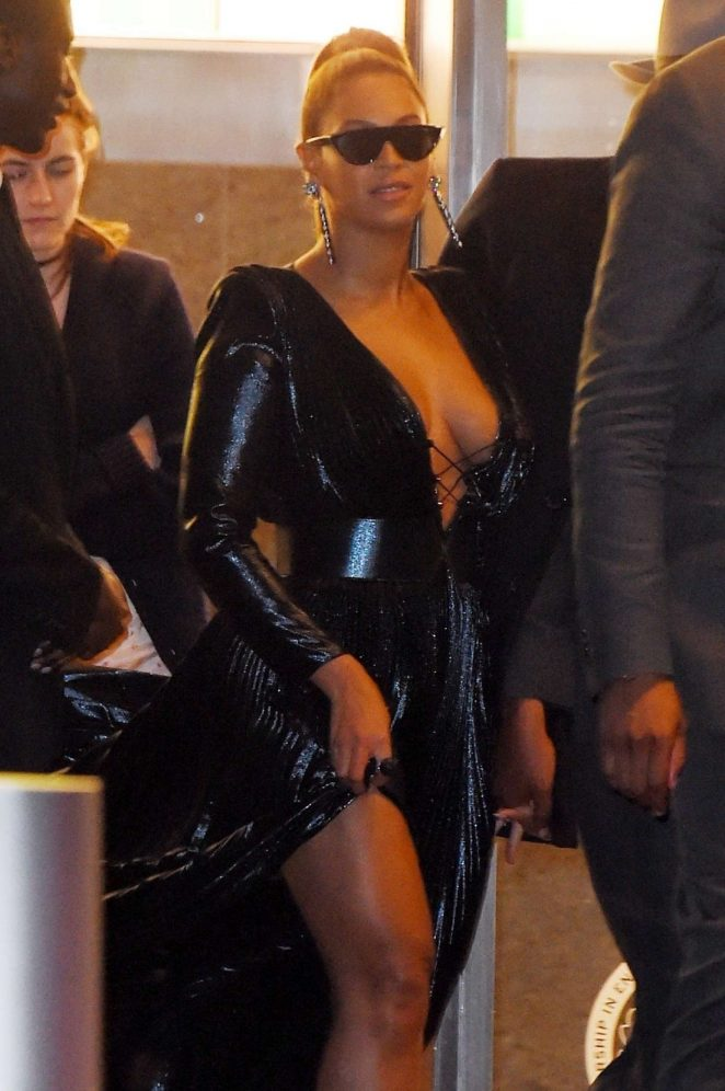 Beyonce - Leaving the Roc Nation Brunch in NYC