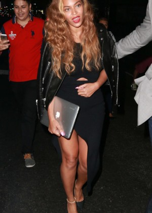 Beyonce in Black Dress Night out in NYC