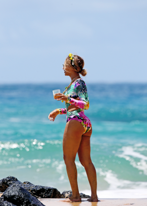 Beyonce on the beach in Hawaii