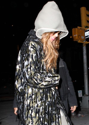 Beyonce - Out and about in NYC