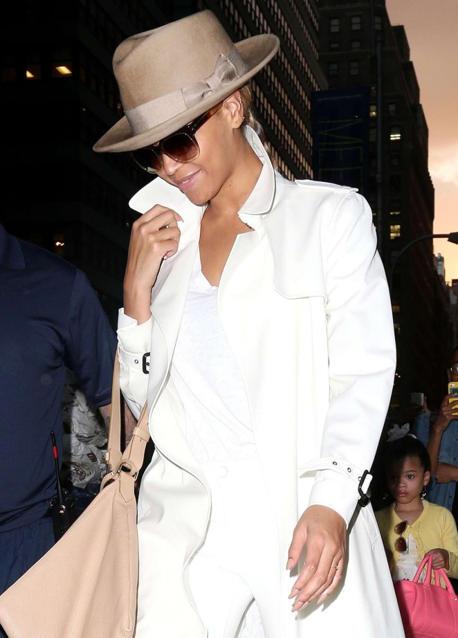 Beyonce – Out and about in NYC