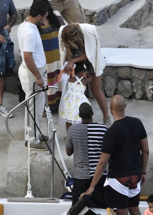 Beyonce Hot on vacation -27