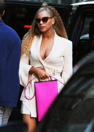 Beyonce - Out in New York