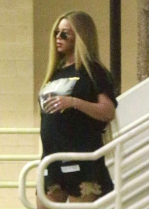 Beyonce out shopping in Beverly Hills
