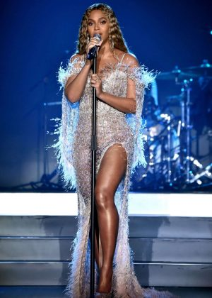 Beyonce - Performs at City of Hope Gala 2018 in Los Angeles