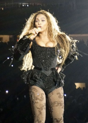 Beyonce - Performs at Formation World Tour in Miami