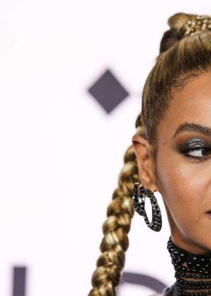 Beyonce: Tidal X 10 15 Concert -05