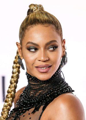 Beyonce: Tidal X 10 15 Concert -08