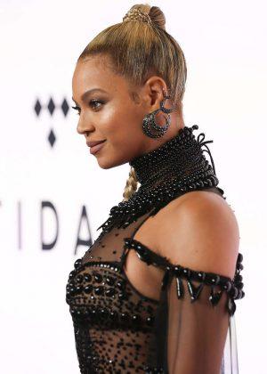 Beyonce: Tidal X 10 15 Concert -13